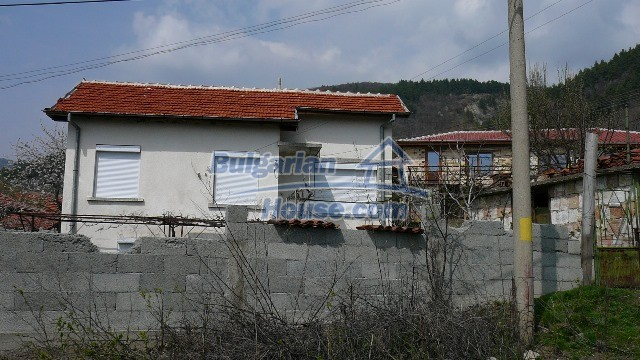 11053:5 - Pretty rural house,near a mountain, lake in Stara Zagora region