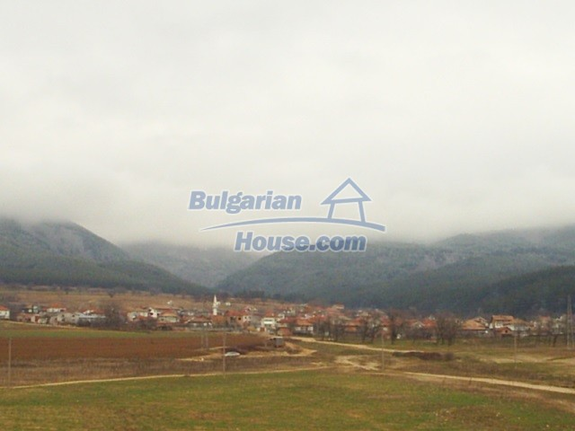 11053:1 - Pretty rural house,near a mountain, lake in Stara Zagora region