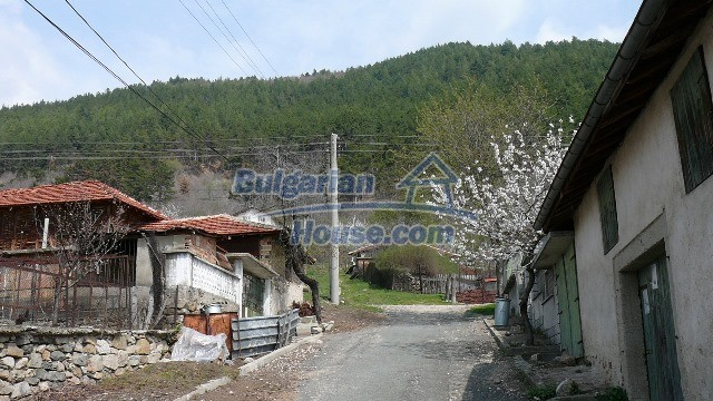 11053:7 - Pretty rural house,near a mountain, lake in Stara Zagora region