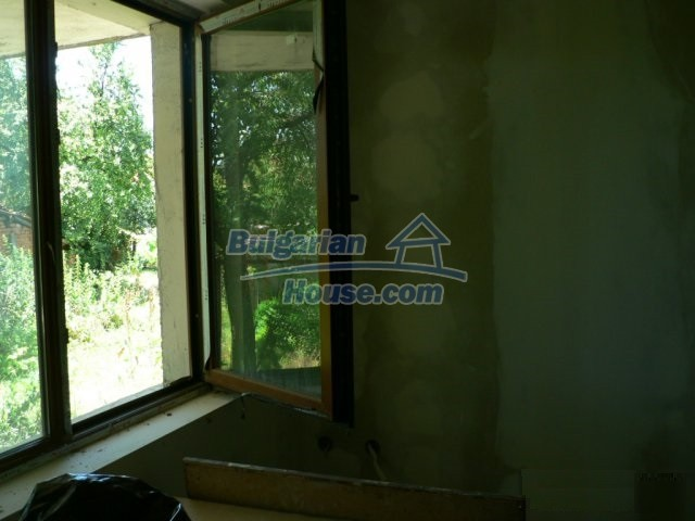 11300:8 - Partly renovated house with a lovely garden near Burgas