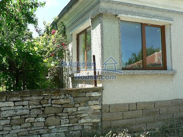 11300:3 - Partly renovated house with a lovely garden near Burgas