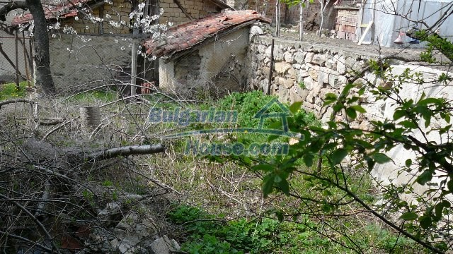 11053:23 - Pretty rural house,near a mountain, lake in Stara Zagora region