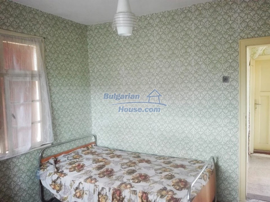 12762:8 - Bulgarian Property with big garden for sale near Ruse