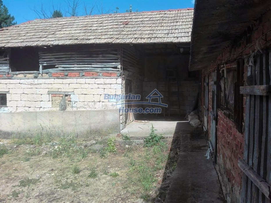 12762:7 - Bulgarian Property with big garden for sale near Ruse