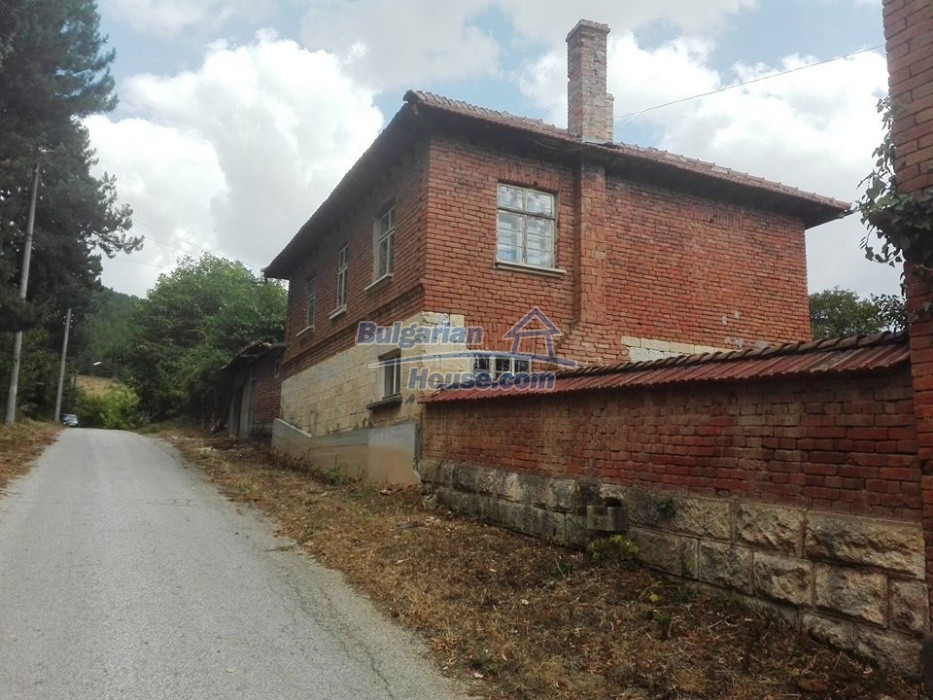 12762:5 - Bulgarian Property with big garden for sale near Ruse