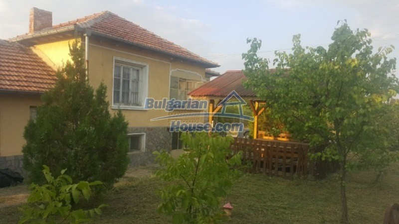 12737:4 - Bulgarian property 35 km from Plovdiv and 5 km from Parvomai