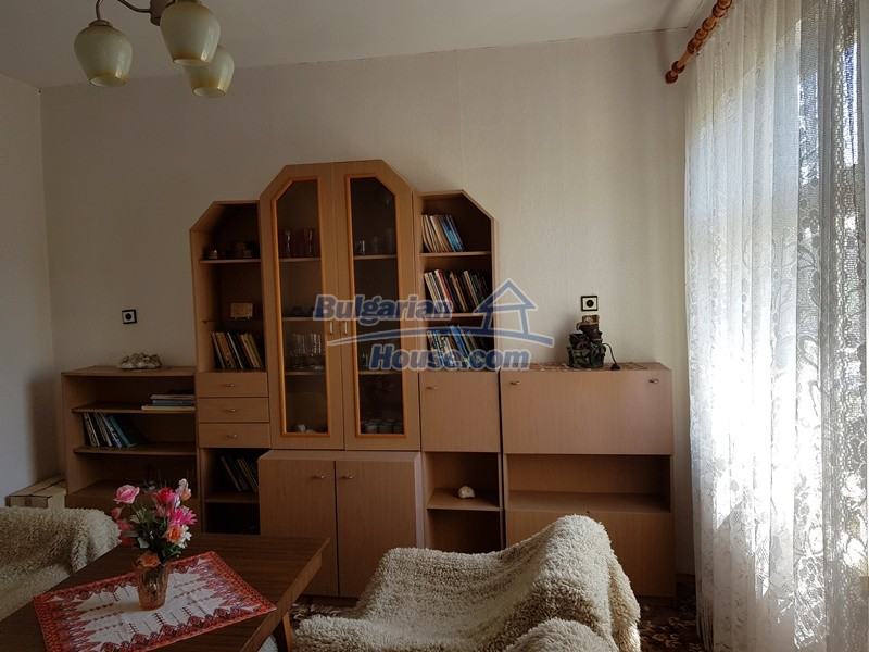 12737:19 - Bulgarian property 35 km from Plovdiv and 5 km from Parvomai