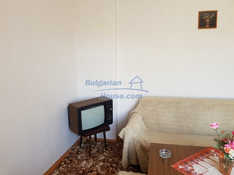 12737:21 - Bulgarian property 35 km from Plovdiv and 5 km from Parvomai