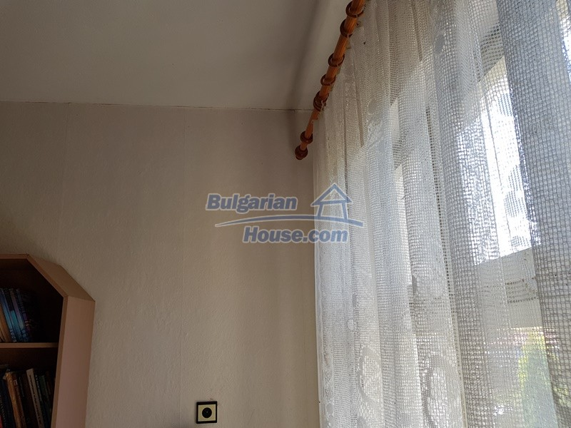 12737:22 - Bulgarian property 35 km from Plovdiv and 5 km from Parvomai