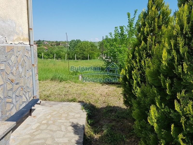 12737:24 - Bulgarian property 35 km from Plovdiv and 5 km from Parvomai