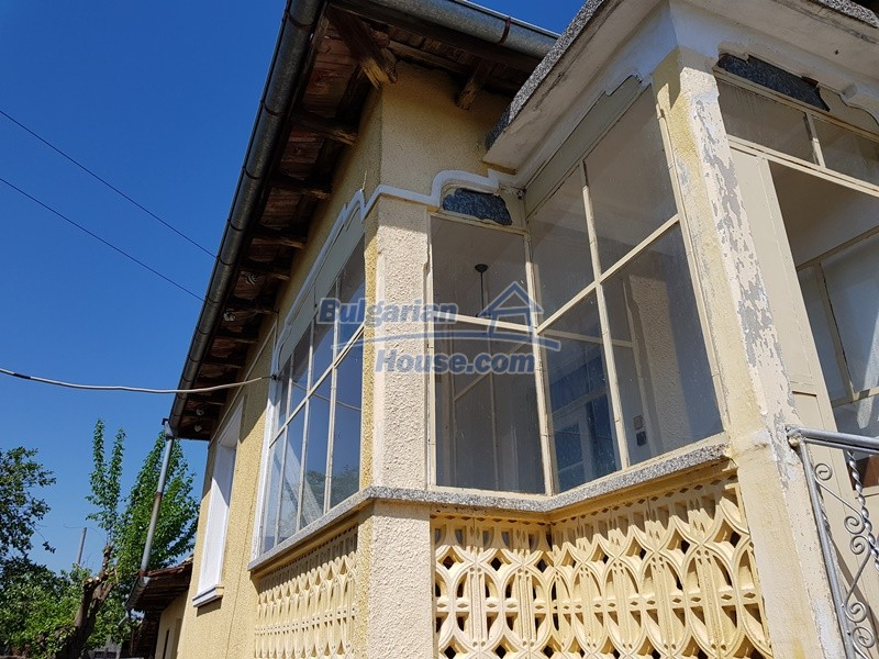 12737:28 - Bulgarian property 35 km from Plovdiv and 5 km from Parvomai
