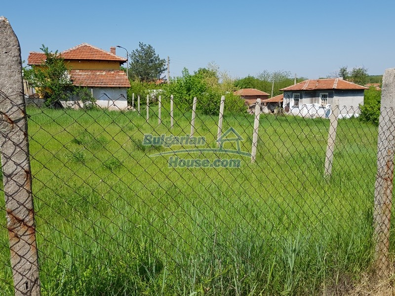 12737:50 - Bulgarian property 35 km from Plovdiv and 5 km from Parvomai