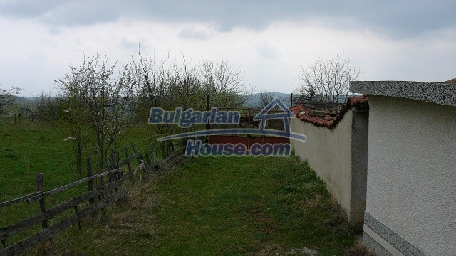 10983:6 -  Bulgarian house very close to pine forest and Kazanlak