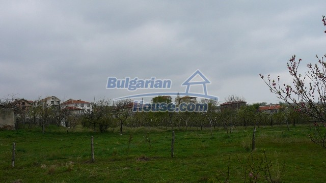 10983:9 -  Bulgarian house very close to pine forest and Kazanlak