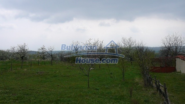 10983:3 -  Bulgarian house very close to pine forest and Kazanlak