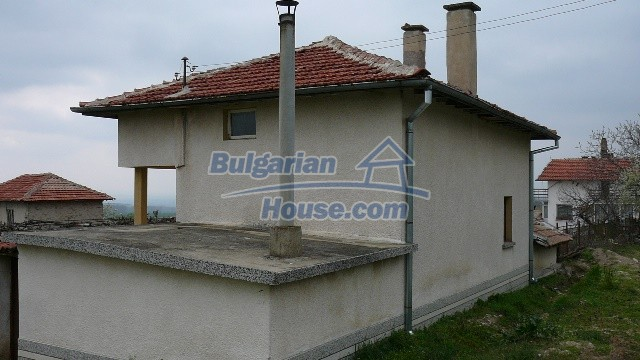 10983:4 -  Bulgarian house very close to pine forest and Kazanlak