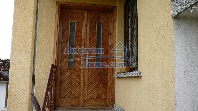 10983:37 -  Bulgarian house very close to pine forest and Kazanlak
