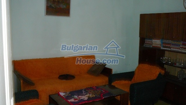 10983:27 -  Bulgarian house very close to pine forest and Kazanlak