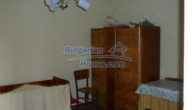 10983:29 -  Bulgarian house very close to pine forest and Kazanlak