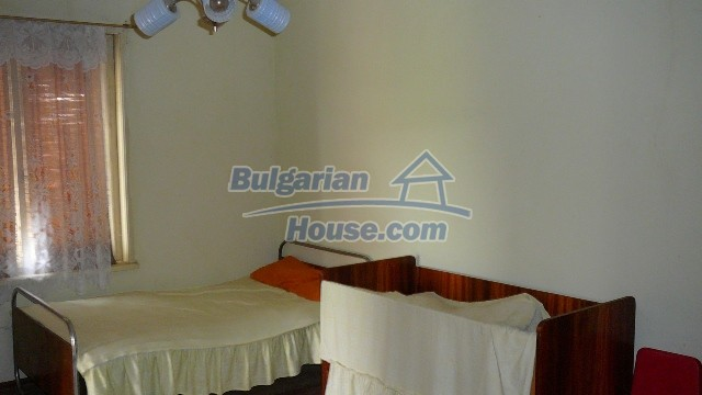 10983:31 -  Bulgarian house very close to pine forest and Kazanlak
