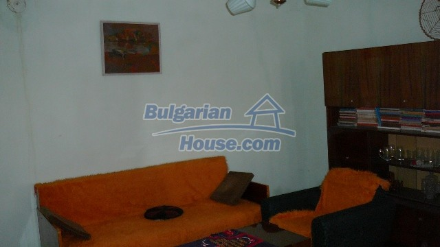 10983:33 -  Bulgarian house very close to pine forest and Kazanlak