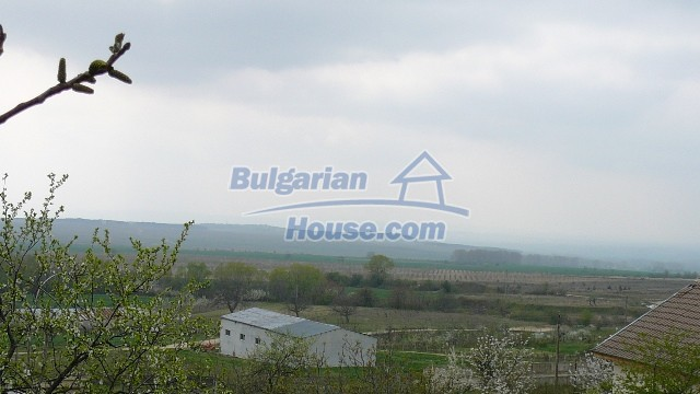 10983:21 -  Bulgarian house very close to pine forest and Kazanlak