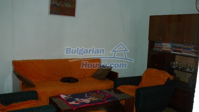 10983:28 -  Bulgarian house very close to pine forest and Kazanlak