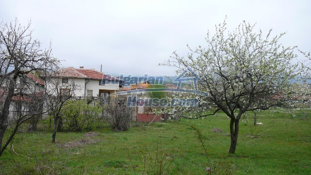 10983:24 -  Bulgarian house very close to pine forest and Kazanlak