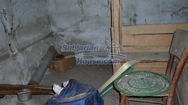 10983:42 -  Bulgarian house very close to pine forest and Kazanlak