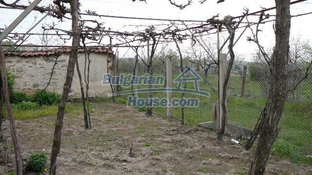 10983:43 -  Bulgarian house very close to pine forest and Kazanlak