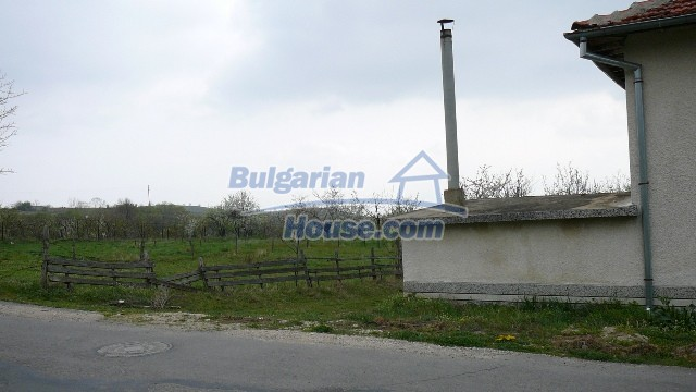 10983:58 -  Bulgarian house very close to pine forest and Kazanlak
