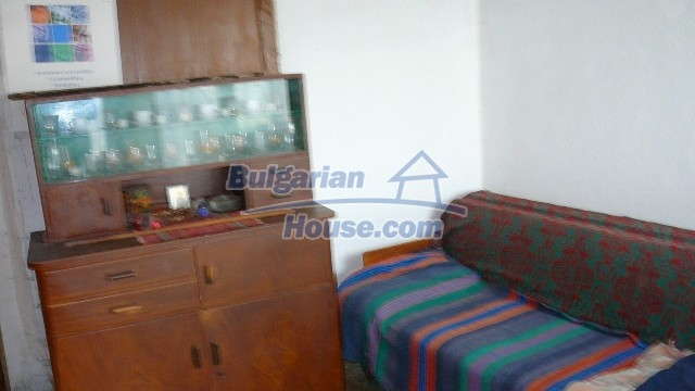 10983:40 -  Bulgarian house very close to pine forest and Kazanlak