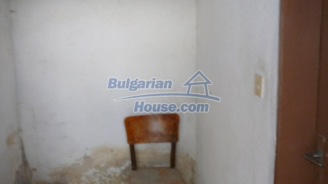 10983:53 -  Bulgarian house very close to pine forest and Kazanlak