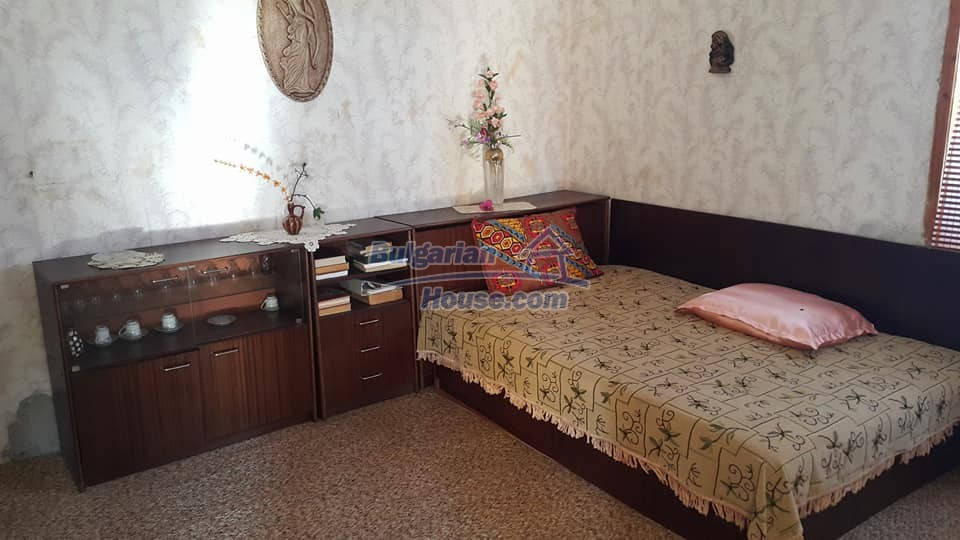 12758:3 - Cozy Bulgarian house with big potential 40km from the sea