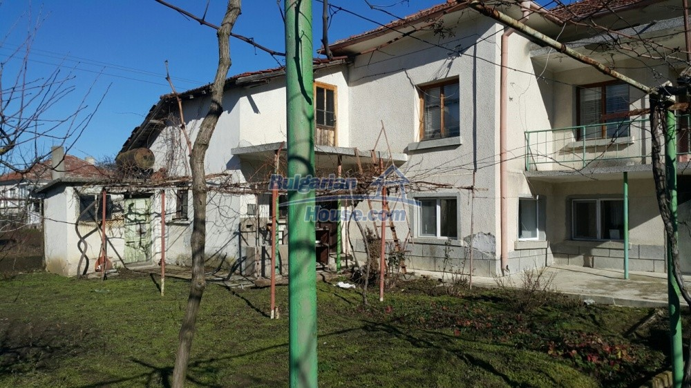 12758:2 - Cozy Bulgarian house with big potential 40km from the sea