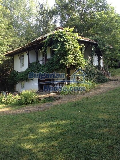 12443:3 - Traditional Bulgarian property for sale in Lovech region