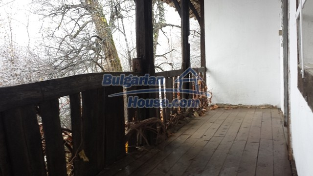 12443:21 - Traditional Bulgarian property for sale in Lovech region