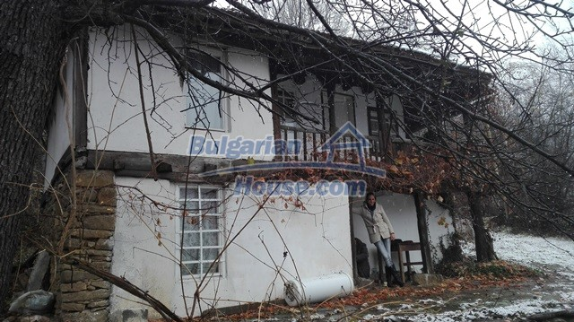12443:72 - Traditional Bulgarian property for sale in Lovech region
