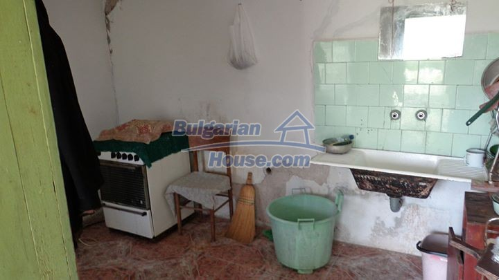 12721:12 - Cheap Bulgarian house for sale near Montana nearby river
