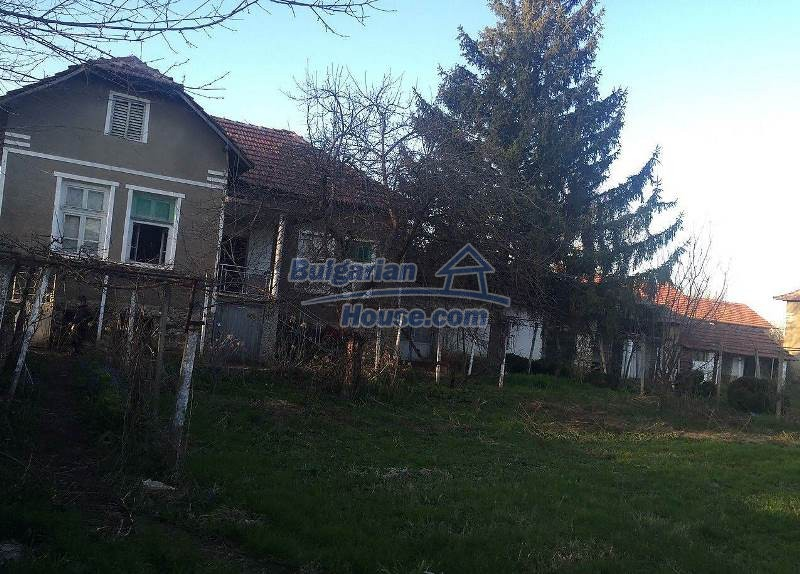 12784:1 - Cozy Bulgarian house for sale near lake in Montana region