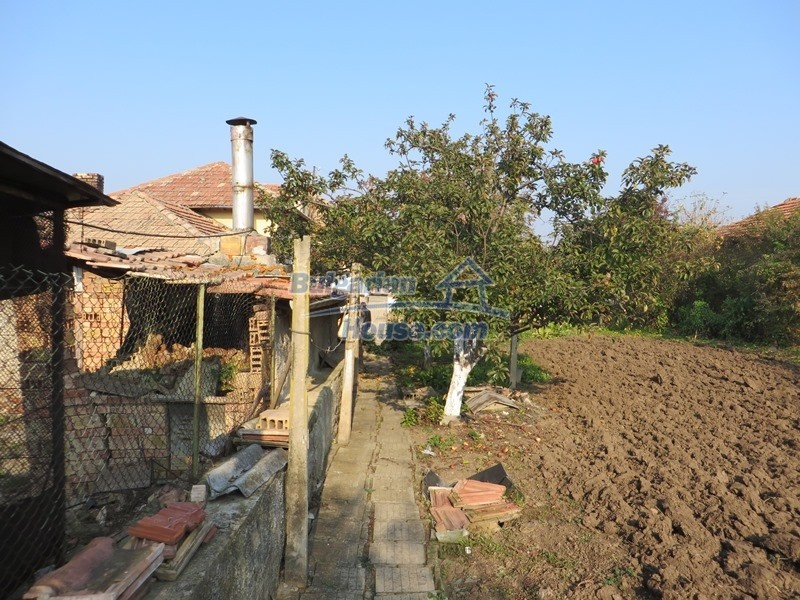 12790:9 - Cozy sunny house for sale not far from Veliko Tarnovo city