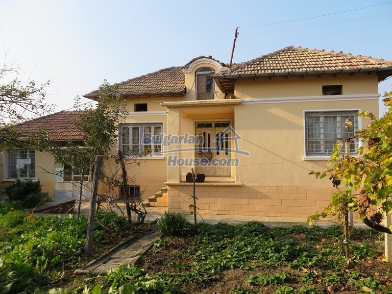 12790:4 - Cozy sunny house for sale not far from Veliko Tarnovo city