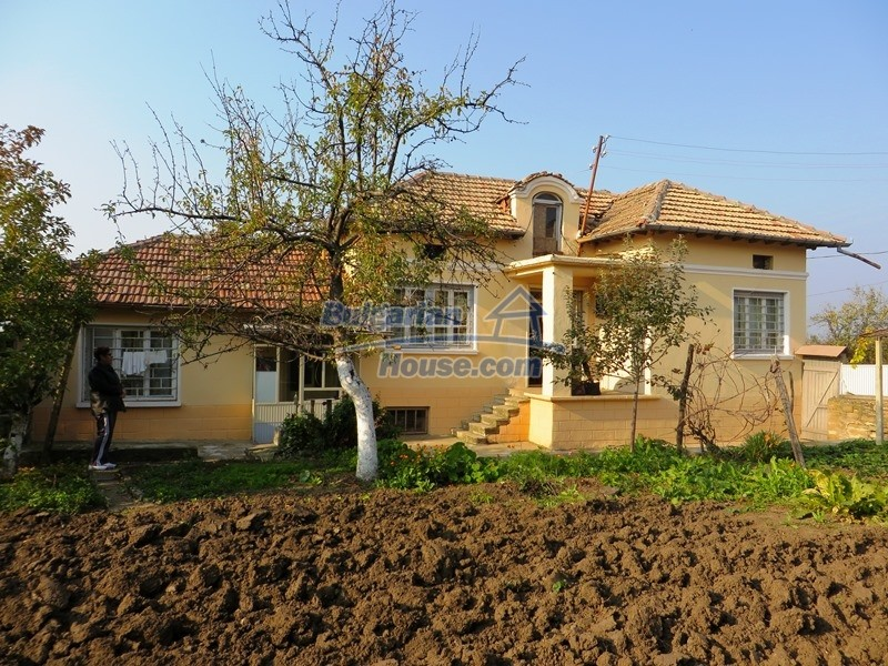 12790:6 - Cozy sunny house for sale not far from Veliko Tarnovo city