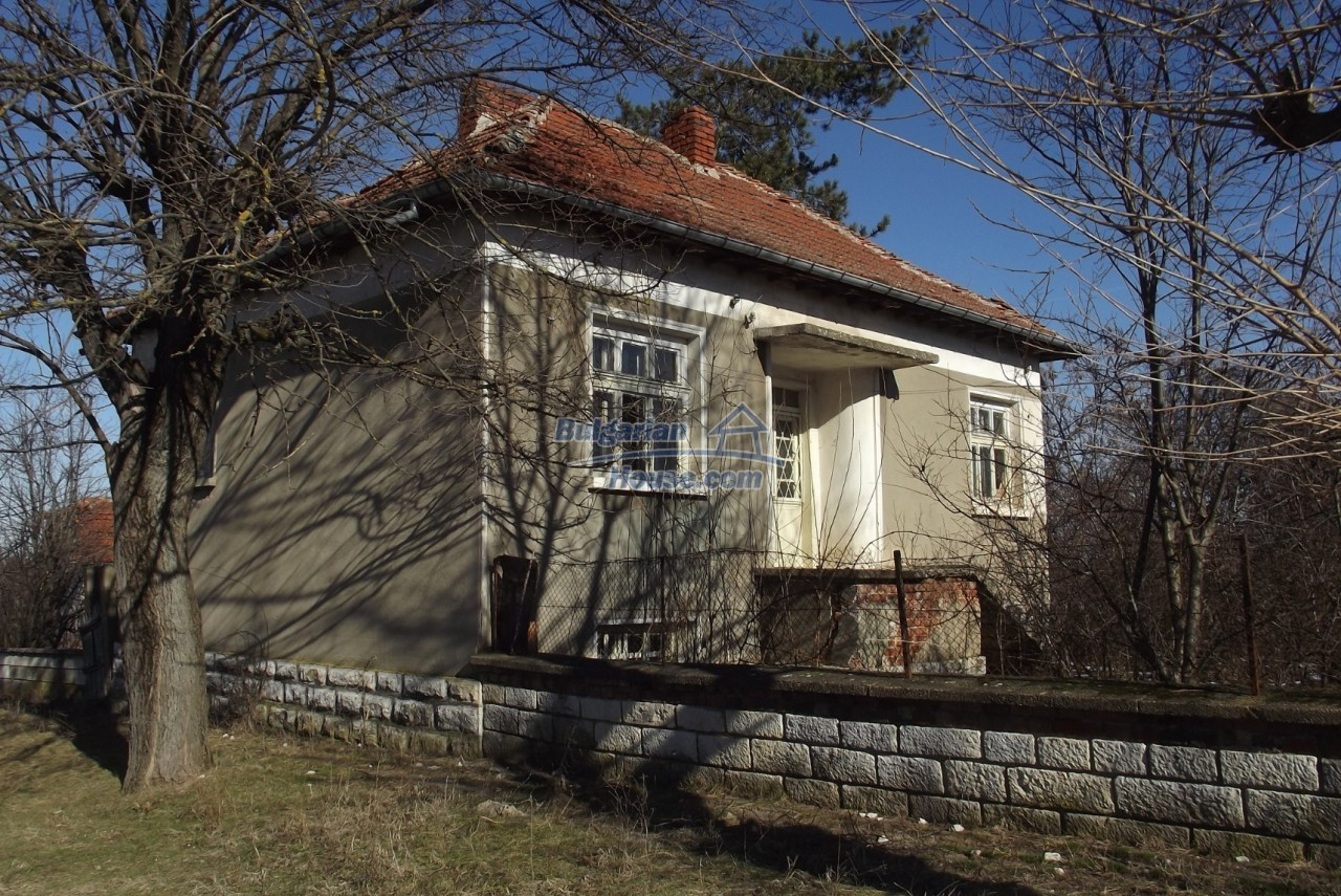 12802:1 - Cheap Bulgaian House with vast garden 4000 sq.m land Vratsa