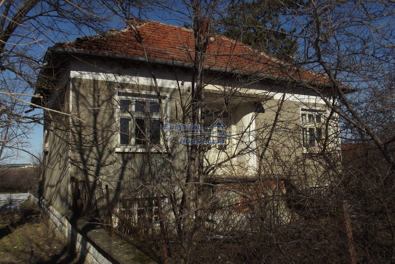 12802:2 - Cheap Bulgaian House with vast garden 4000 sq.m land Vratsa