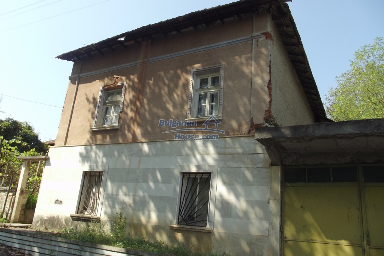 12803:3 - House with 3000sq.m garden 2 garages and 2 water wells, Vratsa