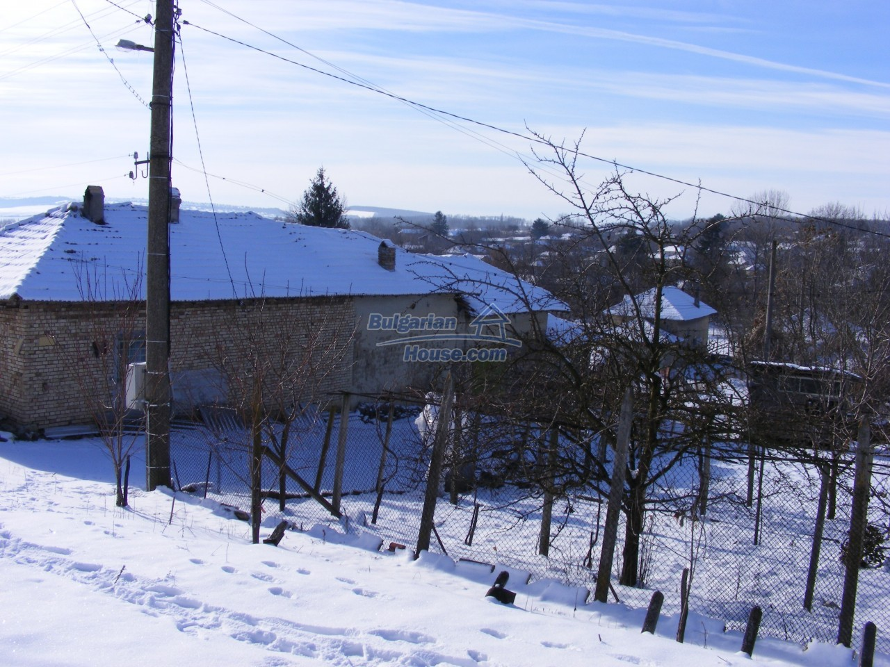 12807:55 - Big house,farm building garden 6757 m2 in Kovachevets, Popovo