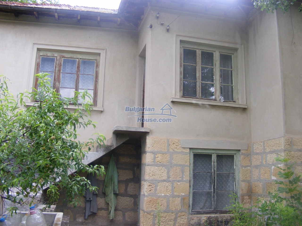 12808:43 - House near Opaka with marvellous views and 5635 sq.m garden