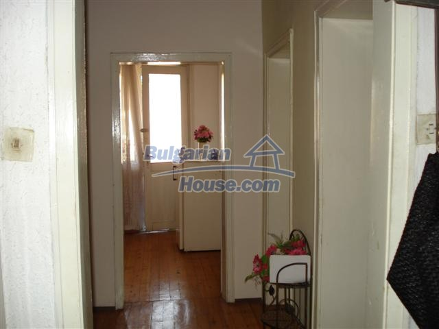 12812:11 - Brick Built house for sale at the center of Elhovo town