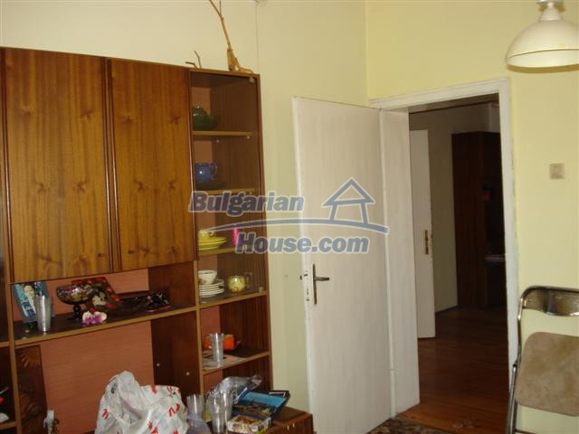 12812:18 - Brick Built house for sale at the center of Elhovo town
